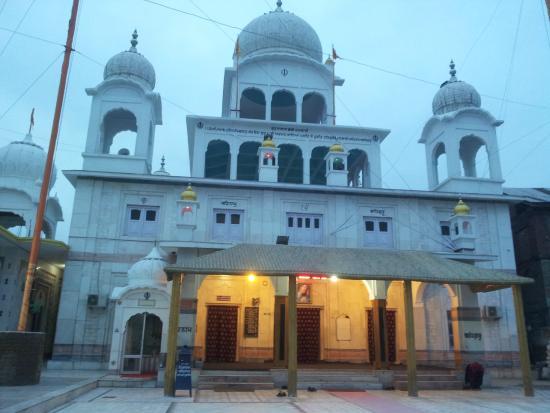 chatti-padshahi-gurudwara.jpg